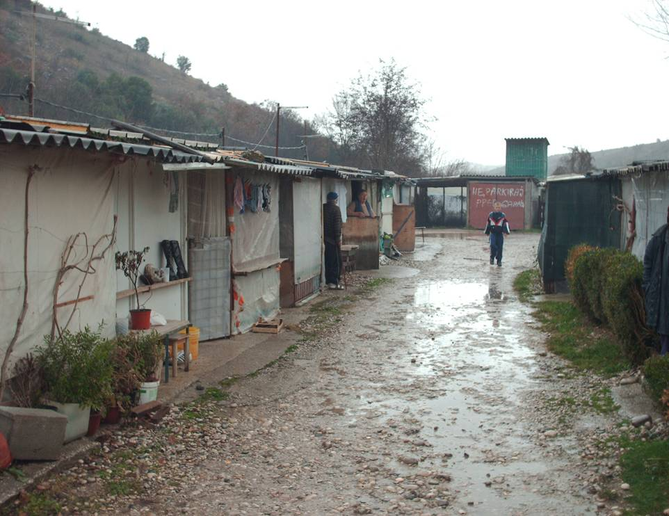 Bosnian refugee camp image